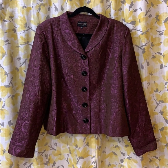 Blazer with 5 button closure by Canadian designer